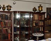 Серебрянные изделия, книги и самовары