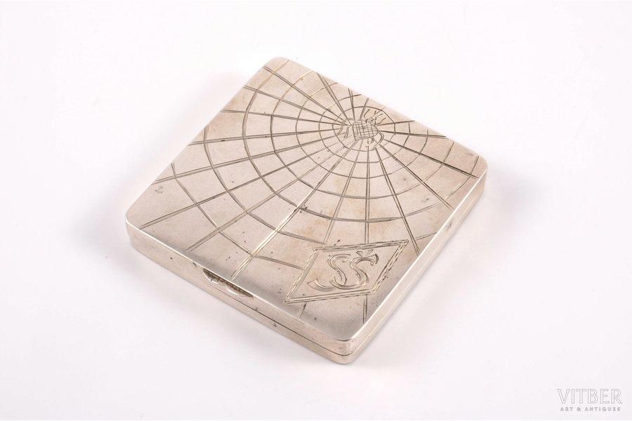 powder-box, silver, 875 standart, engraving, 1931, (item's weight) 109.35 g, (silver's weight) ~ 76.70 g, Latvia, 7.1 x 6.8 x 1 cm