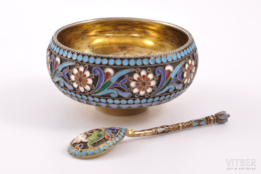 saltcellar with a spoon for salt, silver, 84 standart, cloisonne enamel, 1880-1908, (saltcellar) 58.45 g, (spoon for salt) 6.45 g, workshop of Pavel Ovchinnikov, workshop of Nikolay Strulev, Moscow, Russia, (saltcellar) h 3.1 cm, Ø 6.4 cm, (spoon for salt) 7.4 cm