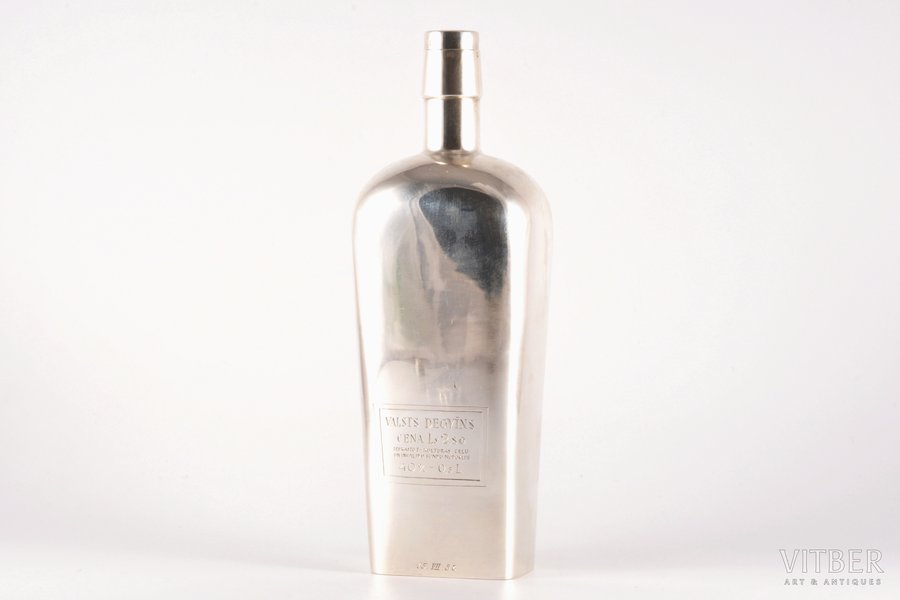 "pudele, sudrabs, 875 prove, ""Valsts Degvīns"", māksliniecisks gravējums, 1938 g., 371.35 g, meistars Ludwig Rosenthal, Rīga, Latvija, 23.5 cm"