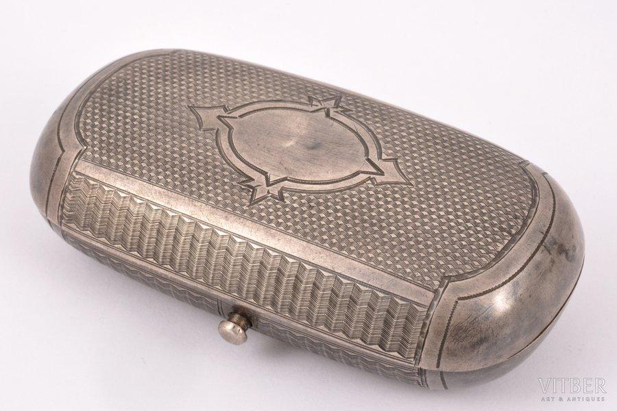 табакерка, серебро, 84 проба, штихельная резьба, 1868-1881 г., 69.70 г, С.- Петербург, Российская империя, 9.1 x 4.6 x 2.7 см