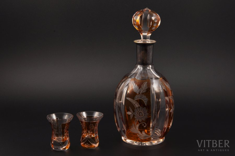 """carafe with a pair of beakers, """"Tête-à-tête"""", silver, colored crystal, 800 standart, the beginning of the 20th cent., Weimar, Germany, h (carafe, with stopper) 27 cm, (beaker) 6.4 cm"""
