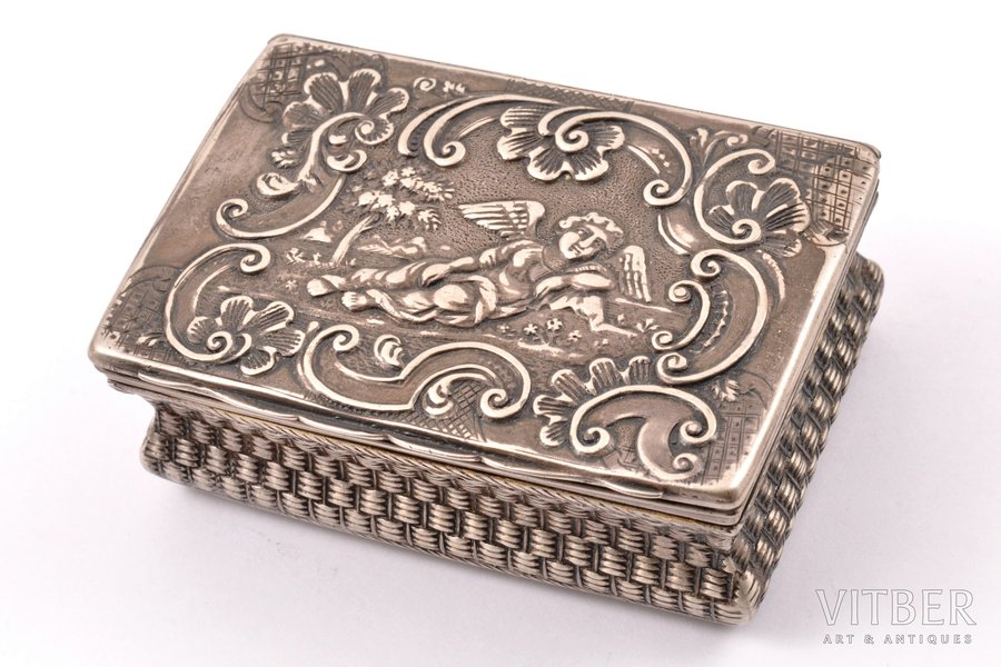 case, silver, the beginning of the 19th cent., 90.35 g, Germany (?), 7.5 x 5 x 2.7 cm, crack along the seam (see photo)