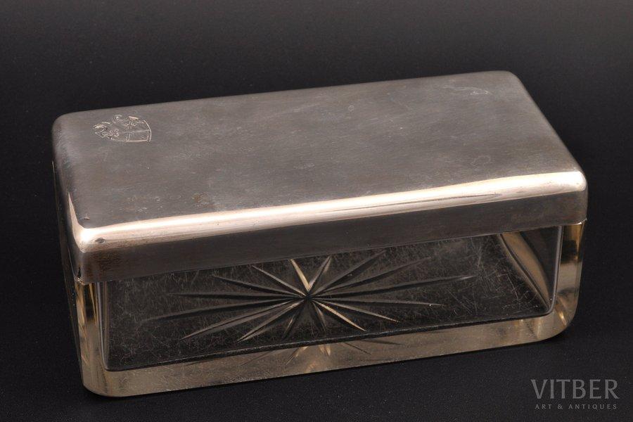 шкатулка, серебро, стекло, 800 проба, рубеж 19-го и 20-го веков, (крышка) 140.55 г, Германия, 17.7 x 8.4 x 6.9 см, небольшой скол на изделии