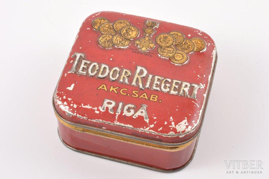 box, stock society Teodor Riegert, Rīga, metal, Latvia, the 20-30ties of 20th cent., 8.6 x 8.5 x 3.9 cm