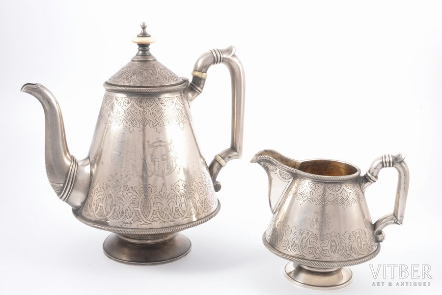 set of teapot and cream jug, silver, 84 standart, engraving, gilding, 1890, 994.15 g, (teapot 719.10 g + cream jug 275.05 g), by Stephen Wakeva, St. Petersburg, Russia, h 21 / 11.3 cm, Stephen Wakeva worked for Faberge