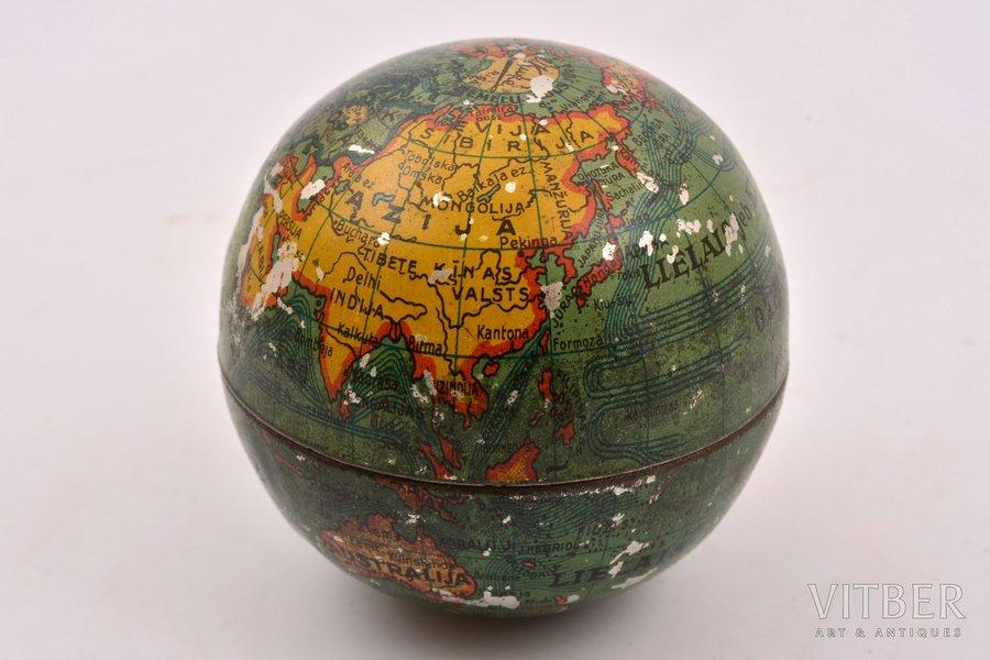 """konfekšu kastīte, """"Globuss"""", a/s V. Ķuze Rīgā, Latvija, 20 gs. 20-30tie gadi, Ø 5.7 cm"""
