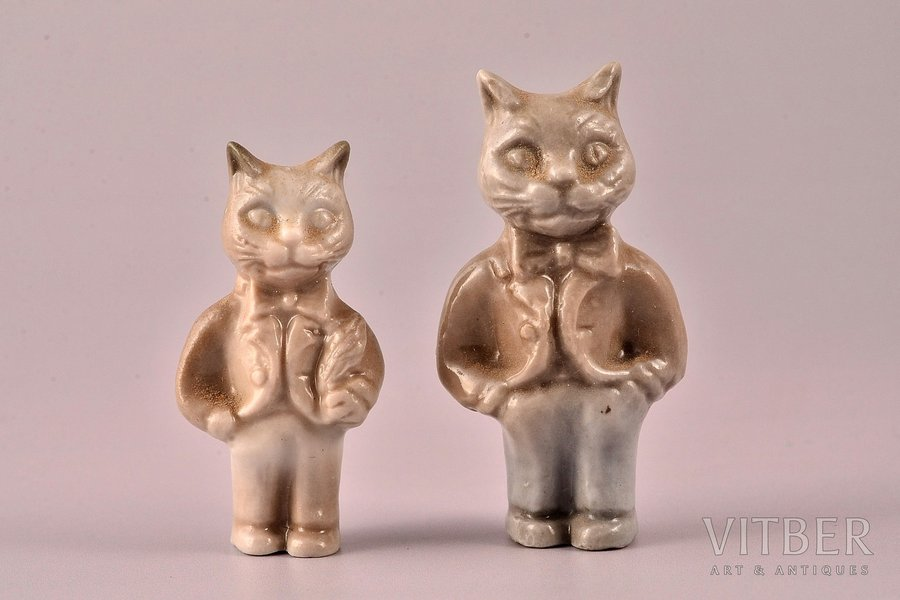 figurine, 2 cats, porcelain, Riga (Latvia), sculpture's work, molder - Aria Tsipruse, h 3.8, 4.5 cm