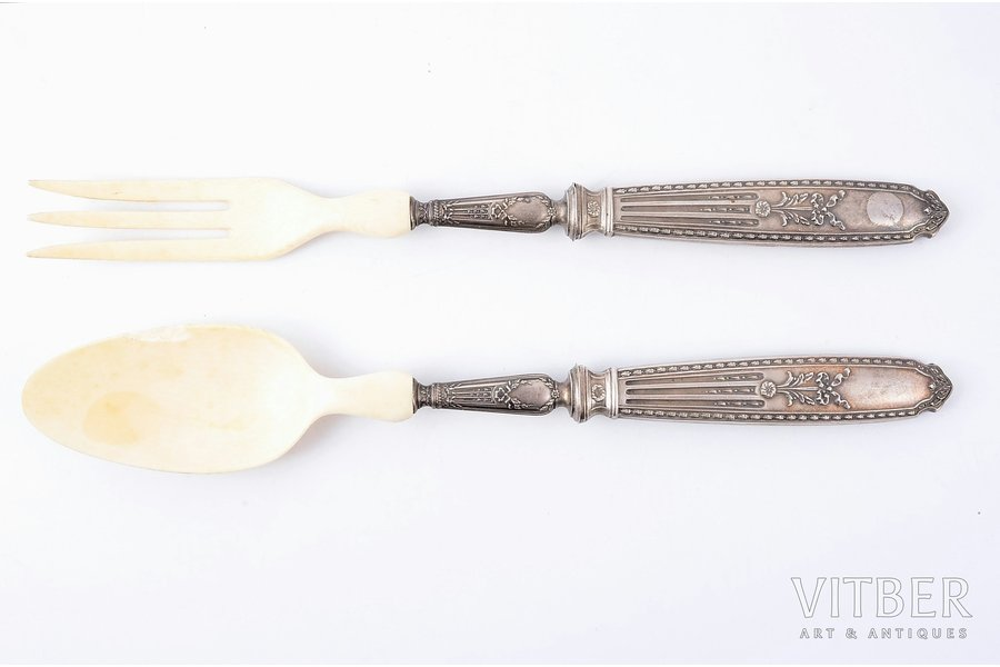 flatware set, silver, 950 standart, 2 pcs., the 20ties of 20th cent., (total weight of items) 141.40g, Paris, France, 28, 28 cm, chip on the spoon