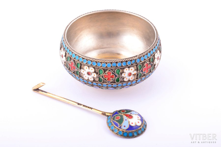 saltcellar with spoon for salt, workshop of Pavel Ovchinnikov, silver, saltcellar 88 standard, spoon 84 standard, cloisonne enamel, 1890, 23.85 g (saltcellar 20.50 g, spoon 3.35 g), Moscow, Russia, Ø 4.6 cm, sopon 5.7 cm
