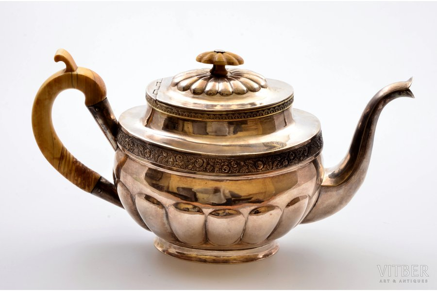 small teapot, silver, 84 standart, gilding, 1831, (item total weight) 526.30g, St. Petersburg, Russia, h 14.1 cm