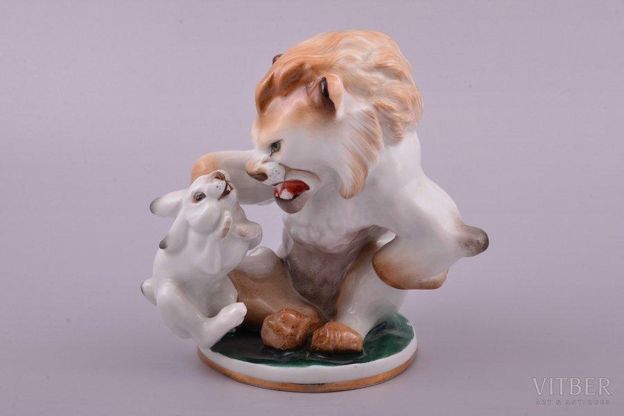 figurine, Lion and rabbit, porcelain, USSR, LFZ - Lomonosov porcelain factory, molder - B.Y. Vorobyev, the 50ies of 20th cent., h 13.7 cm, first grade