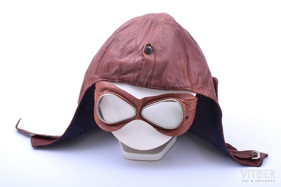 motorcycle helmet with protective glasses, leather, the 30ties of 20th cent.