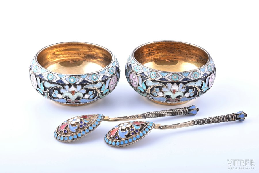 pair of saltcellars with spoons for salt, silver, 84 standart, cloisonne enamel, gilding, 1908-1917, 69.60 g, workshop of Pavel Ovchinnikov, Moscow, Russia, Ø 4.7 cm, spoon 7.5 cm, small defects of the enamel, spoons with other silversmith's mark