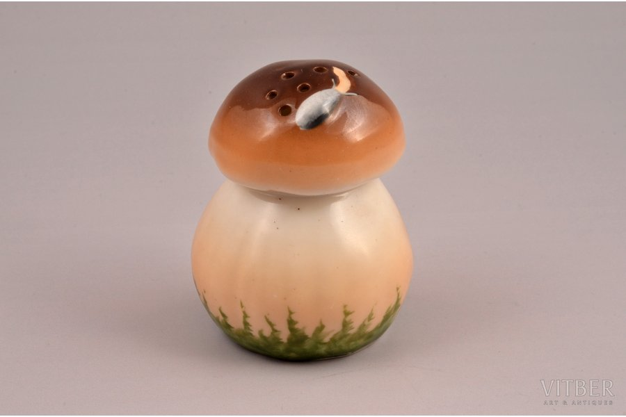 "figurine, A Salt-cellar ""A Mushroom"", porcelain, Riga (Latvia), M.S. Kuznetsov manufactory, the 30ties of 20th cent., 6.6 cm"