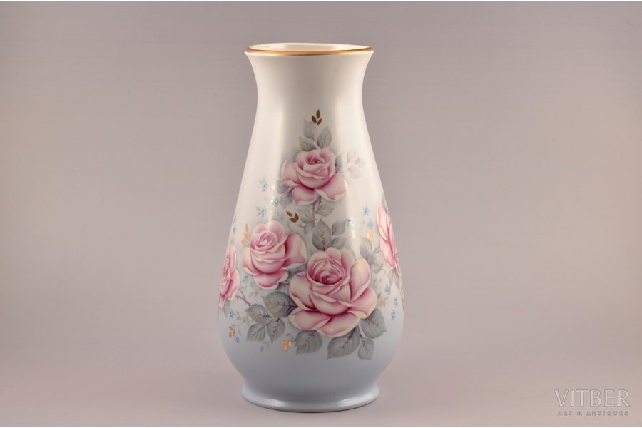 "vase, ""Roses"" (hand-painted), porcelain, Rīga porcelain factory, sketch by Maiya Zagrebaeva, Riga (Latvia), USSR, the 70-80ies of 20th cent., 30.5 cm"