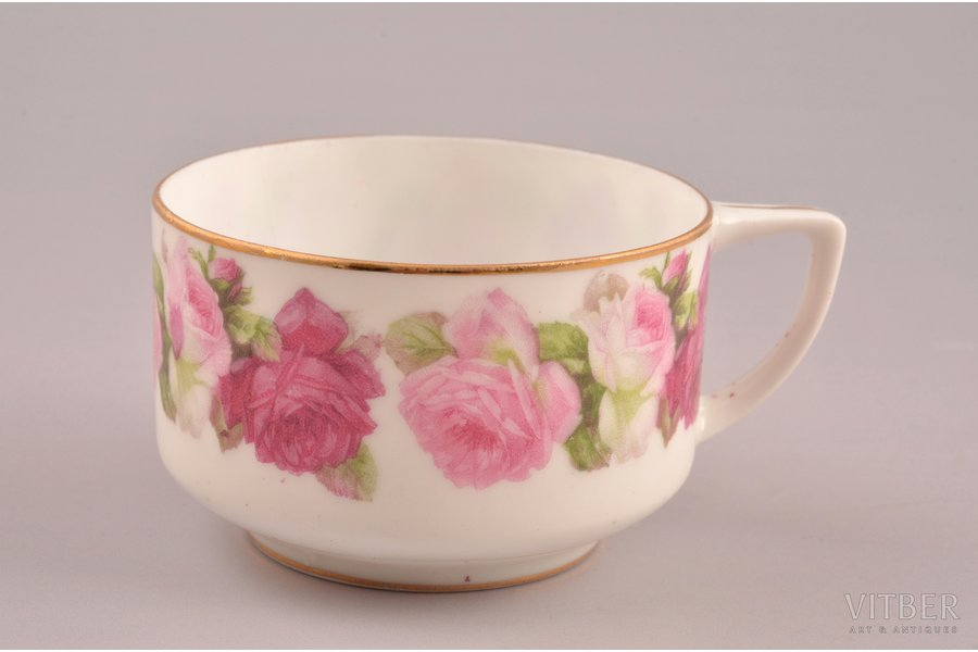 small cup, porcelain, Gardner manufactory, Russia, the 2nd half of the 19th cent., h 4.2 cm