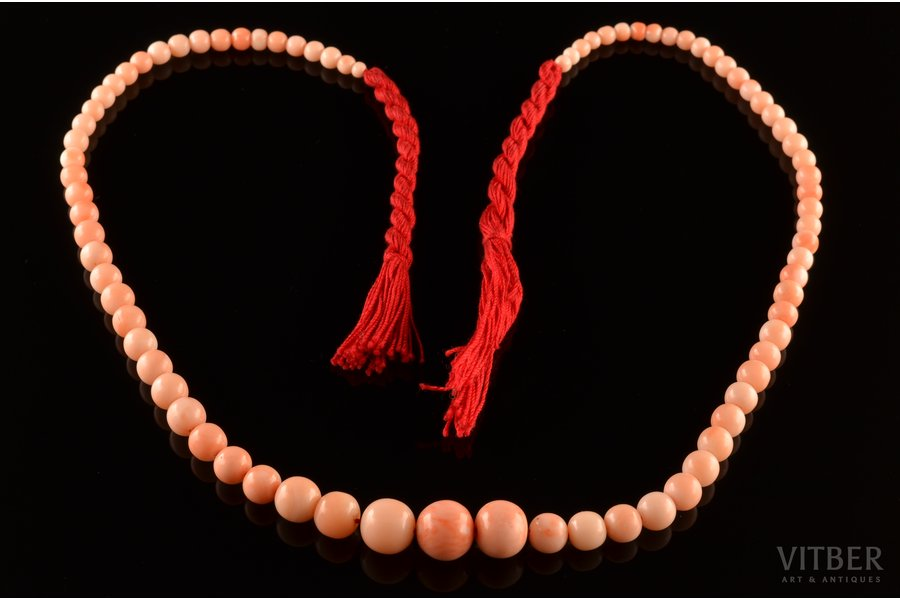 beads, Japanese Pink Deep Sea coral, diameter of the beads 1.25 cm - 0.4 cm, 38.22 g., the item's dimensions 49 cm, coral, on the cord