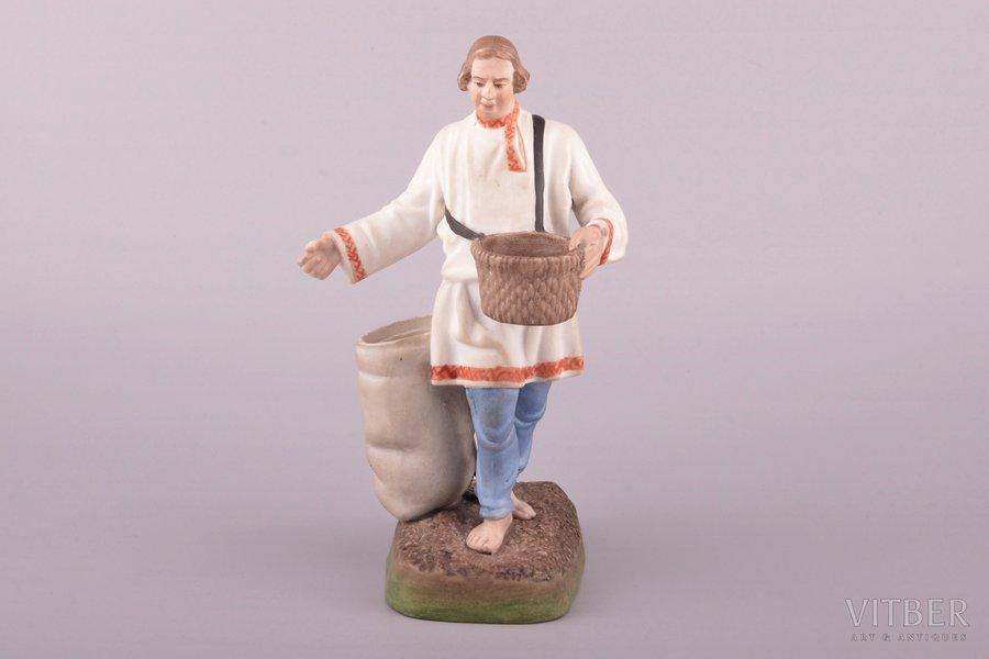 figurine, Sower, porcelain, Russia, Gardner manufactory, 17.2 cm, restoration of the finger-tip 1 mm
