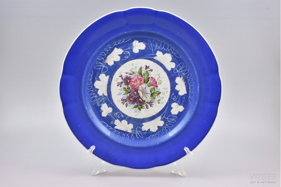 dish, faience, Gardner manufactory, Russia, the end of the 19th century, 33 cm