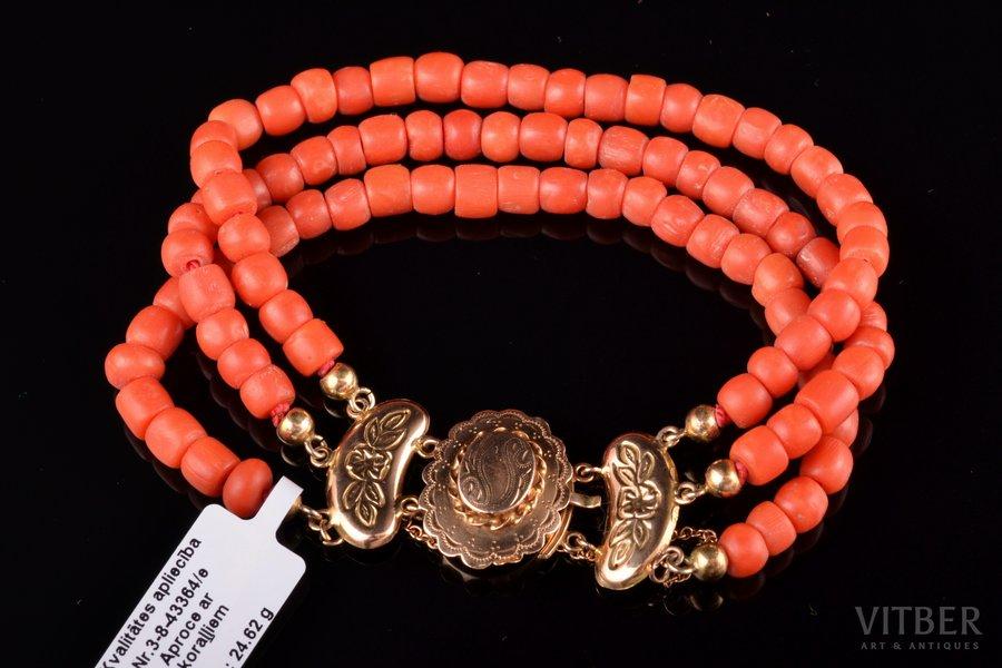 "a bracelet, coral ""Salmon"", gold, 585 standart, 24.62 g., coral, the 20-30ties of 20th cent., Netherlands, bracelet length 18.5 cm"