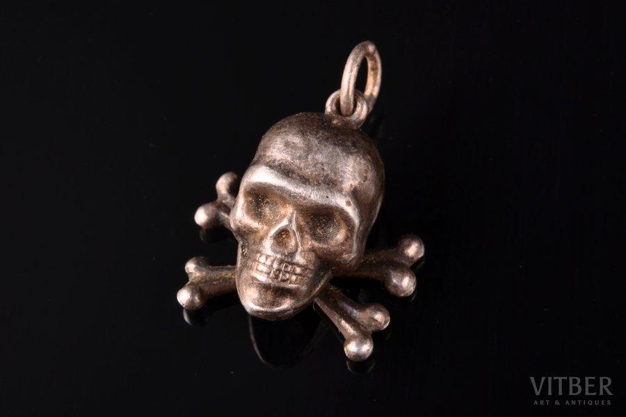 "a pendant, ""Skull"" (BONE FRAGMENT GLUED), silver, 84 ПТ standart, the item's dimensions 1.8 x 1.7 cm, 1896-1907, Russia"