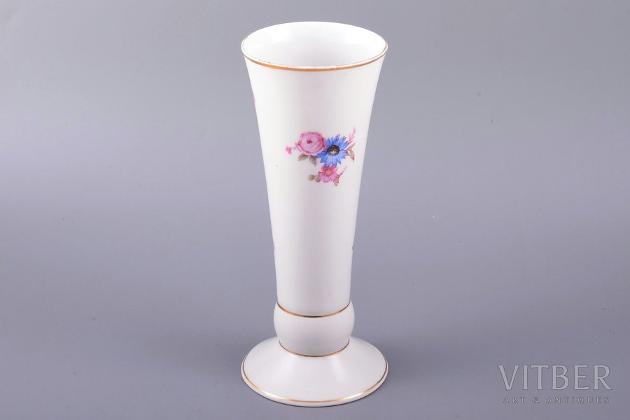 vase, porcelain, M.S. Kuznetsov manufactory, Riga (Latvia), 1934-1940, h 19.1 cm