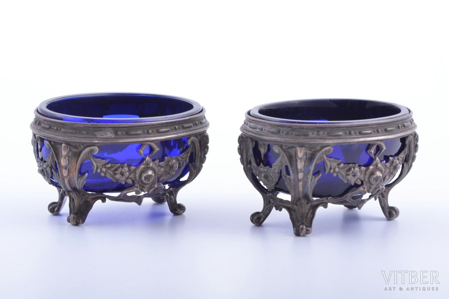 pair of saltcellars, silver, 950 standart, with glass inner parts, total weight of silver 75.90g, France, 4.7 x 7.8 x 6.1 cm