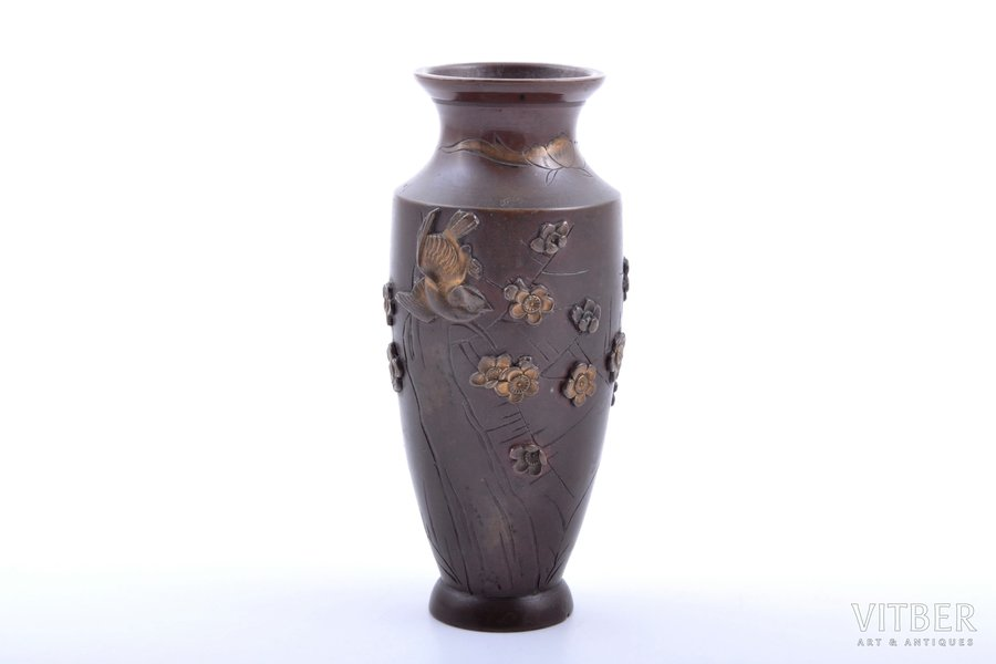 vase, bronze, Japan, the beginning of the 20th cent., h 11.8 cm