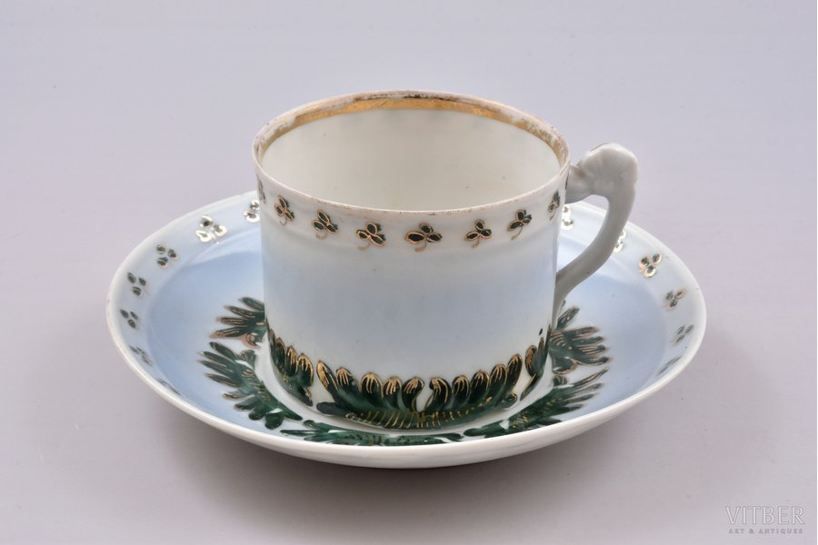 tea pair, porcelain, I. E. Kuznetsov Plant on Volkhov, Russia, the border of the 19th and the 20th centuries, h (cup) 5.9 cm, Ø (saucer) 14.5 cm