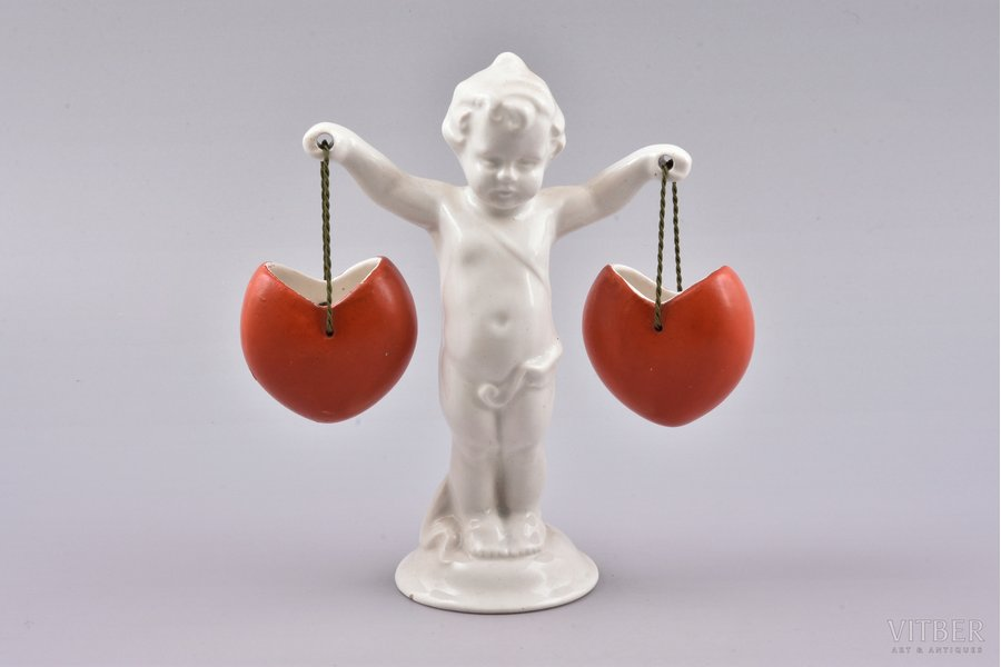 figurine, Valentine, porcelain, Riga (Latvia), M.S. Kuznetsov manufactory, the 40ies of 20th cent., 15 cm, second grade