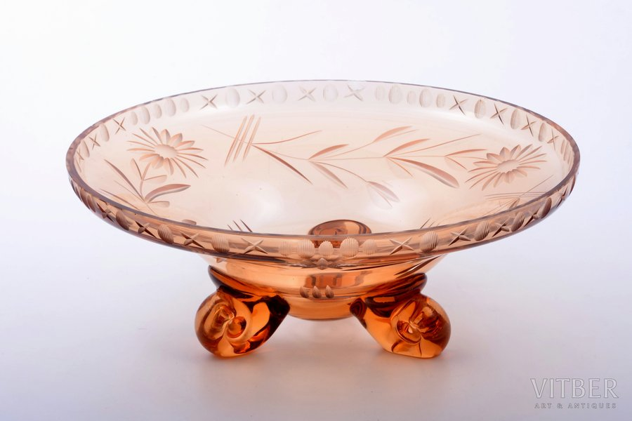 candy-bowl, Iļģuciems Glass factory, Latvia, the 20-30ties of 20th cent., Ø 25.9 cm, small chips on the edge
