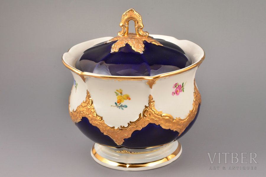vase, porcelain, Meissen, Germany, the 30ties of 20th cent., h 18.5 cm