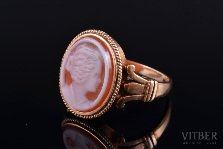 a ring, cameo, gold, 585(?) standart, 5.11 g., the size of the ring 17.75, Austria-Hungary