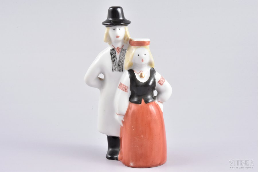figurine, Pair in traditional costumes, porcelain, Riga (Latvia), USSR, sculpture's work, Riga porcelain factory, the 50ies of 20th cent., 13.5 cm