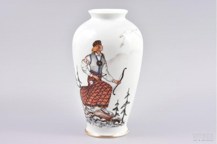 vase, traditional motif, porcelain, M.S. Kuznetsov manufactory, handpainted by Marcis Brieditis, Riga (Latvia), 1937, 22 cm