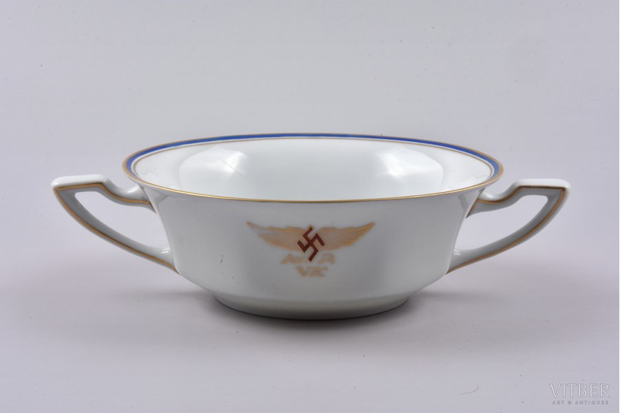cream jug, Aviation Regiment Officers Club, Ø 12.9 cm, porcelain, M.S. Kuznetsov manufactory, Latvia, 1937-1940