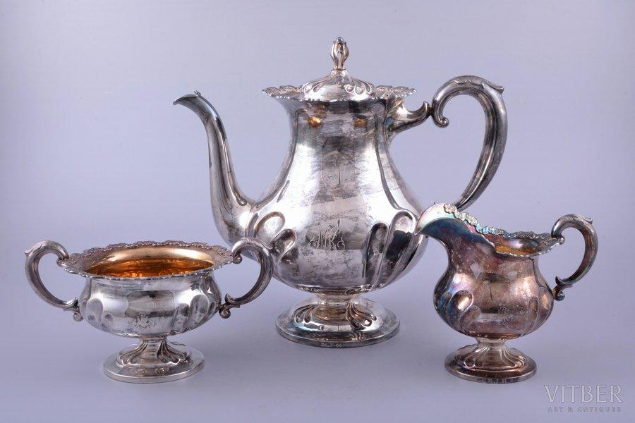 service of 3 items: coffeepot, sugar-bowl, cream jug, silver, 830 standart, gilding, 902.85 g, (coffeepot) 586.05 g + (sugar-bowl) 176.75 g + (cream jug) 140.05g, Finland, 21.9 / 10.8 / 8.9 cm
