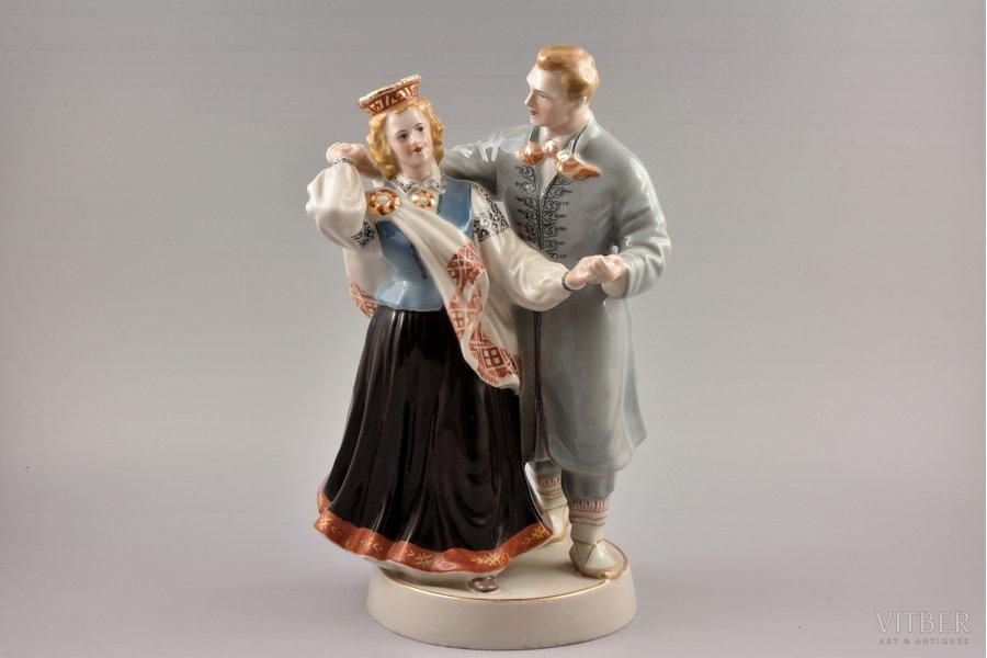 figurine, Folk dance, premium grade (GOLD MARK), porcelain, Riga (Latvia), USSR, Riga porcelain factory, molder - Zina Ulste, 1954-1962, h 33 cm, black skirt