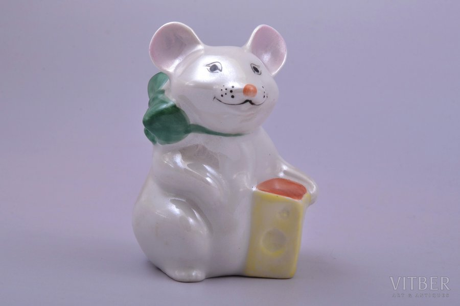 figurine, Mouse with a piece of cheese, porcelain, Riga (Latvia), USSR, Riga porcelain factory, molder - Maximenkova Larisa, the 80ies of 20th cent., 6.6 cm
