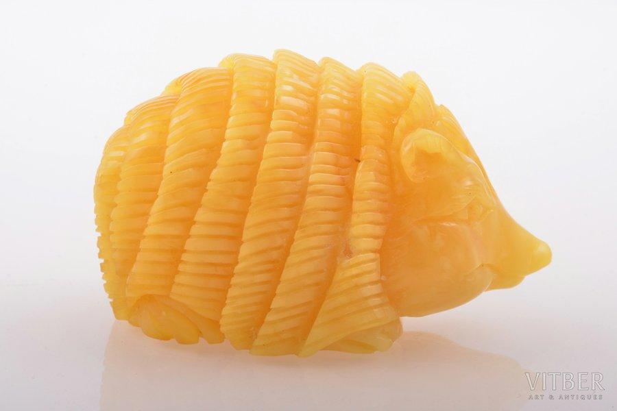 "figurine, ""Hedgehog"", amber, 31.85 g., the item's dimensions 3.5 x 5.7 x 2.9 cm"
