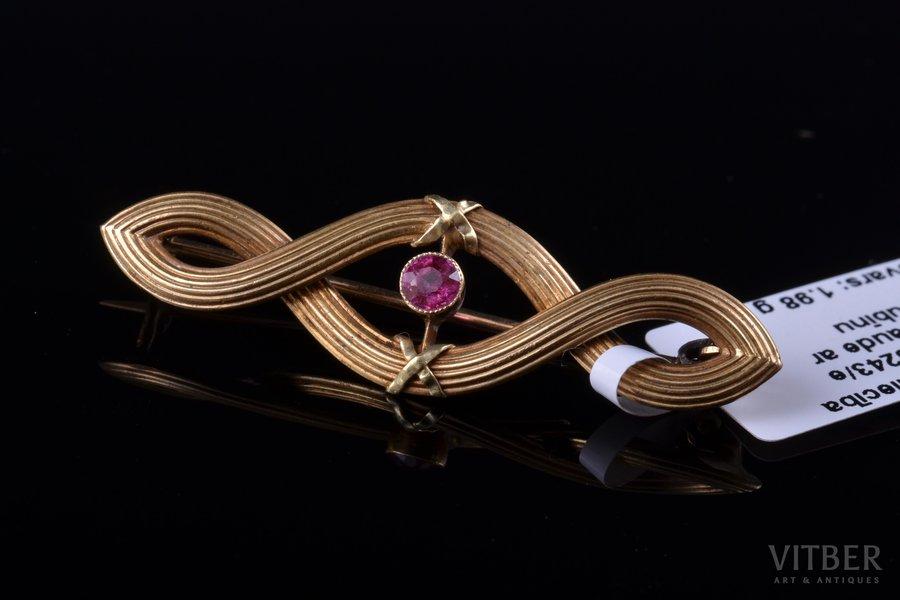 a brooch, Art-Nouveau, gold, 585 standart, 1.98 g., the item's dimensions 1.1 x 3.7 cm, ruby