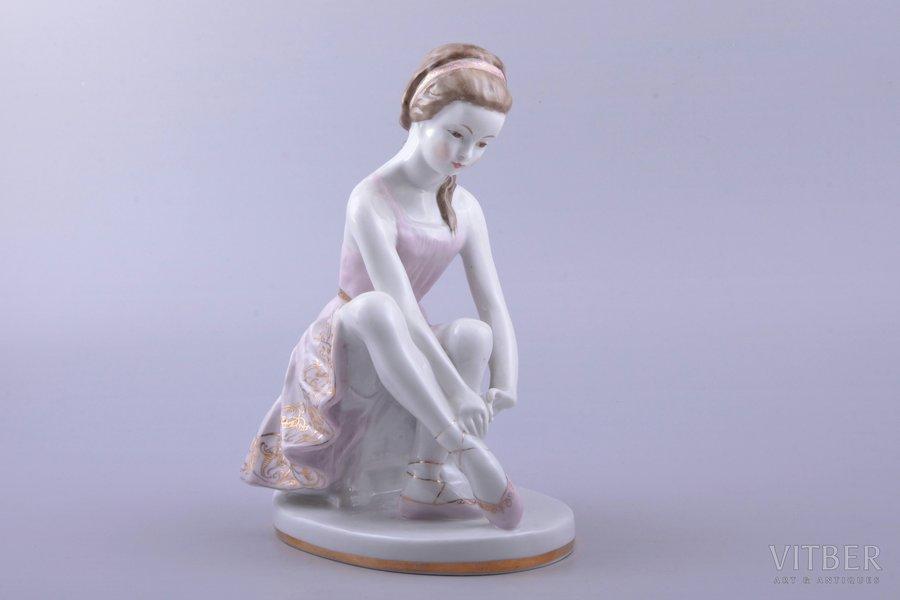 Young ballerina Lfz soviet Ussr Russian Lomonosov Porcelain Figurine