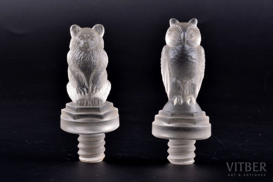 "pair of corks, ""Owl and bear"", Russia(?), h 6.3-6.5 cm"