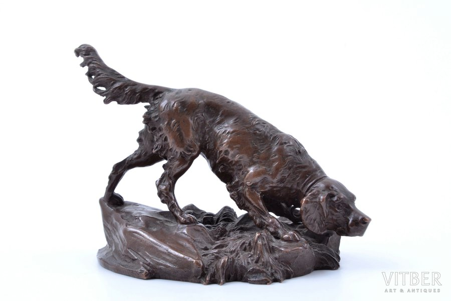 "press paper, ""Hunting dog"", bronze, h 7.3 cm, weight 306.95 g."