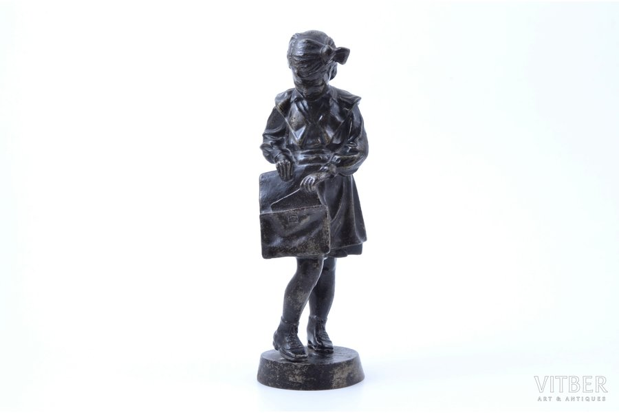 figurine, Pioneer girl with briefcase (Schoolgirl), cast iron, h 20 cm, weight 895.30 g., USSR, Kasli, 1964