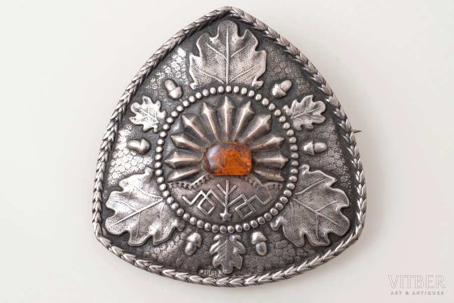 sakta, with amber, silver, 875 standart, 15.31 g., the item's dimensions 6.9 x 6.7 cm, the 20ties of 20th cent., Latvia