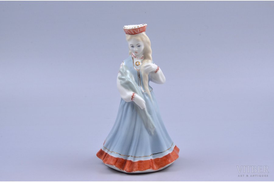 figurine, A girl in traditiona...