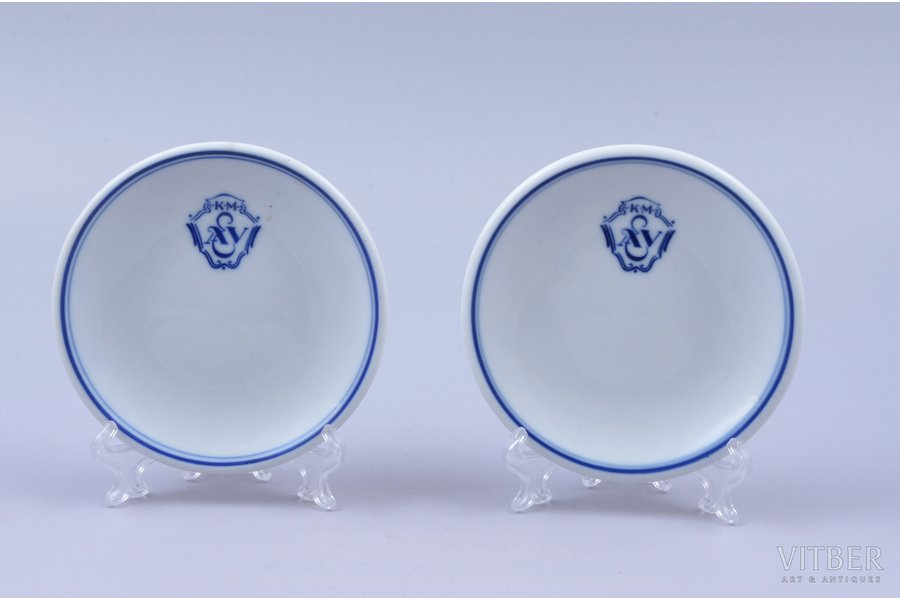 pair of jam dishes, K.M. A&V, porcelain, M.S. Kuznetsov manufactory, Riga (Latvia), 1934-1936, Ø 9.4-9.5 cm