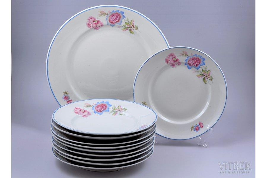 set of plates, 10+1 pcs., porcelain, Riga Ceramics Factory, Riga (Latvia), 1941-1947, Ø 33.7 / 24.4 cm, third grade